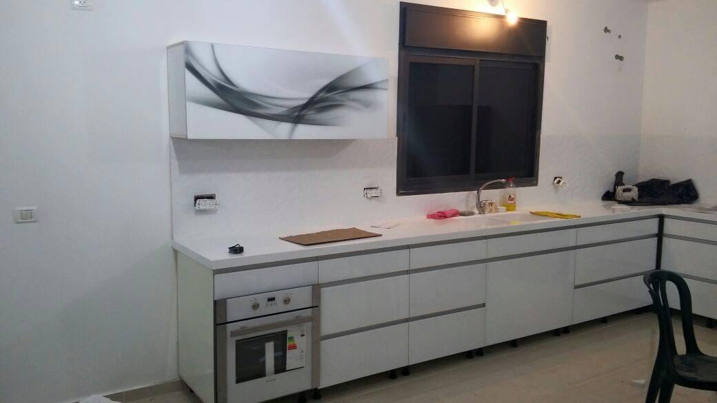 הגדול דורגלאס - פתרונות מעוצבים באלומיניום זכוכית ועץ - קלפות למטבח PU-32